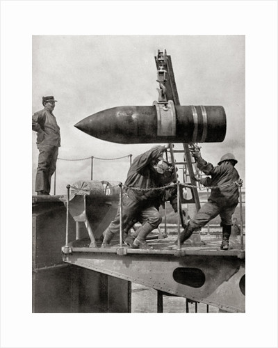 French gunners loading 400 mm shell into cannon in 1916 by Anonymous