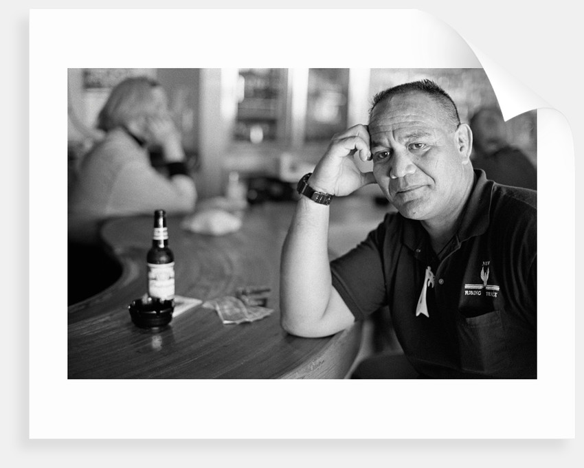 Leslie Rahirit Toia, trucker from New Zealand, Monte Carlo Casino, Billings, Montana, 16 September 2001 by Michael Katakis