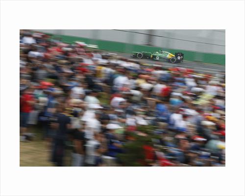 Crowd pleaser, Charles Pic, Australia by Andrew Ferraro