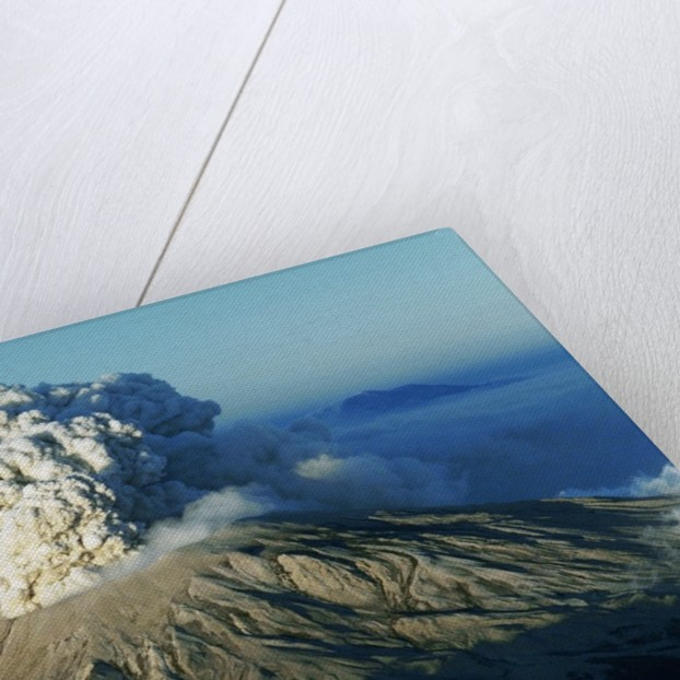 1980 Eruption of Mount St. Helens by Corbis