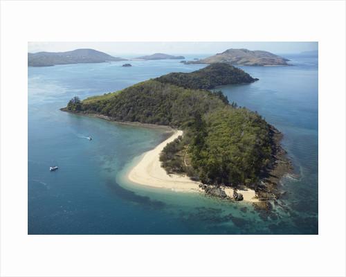 Aerial view of offshore islands, Queensland, Australia by Corbis