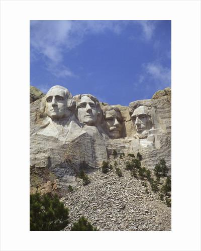 USA, South Dakota , Mount Rushmore Stone Carvings of US Presidents, George Washington, Thomas Jefferson, Teddy Roosevelt and Abraham Lincoln by Corbis