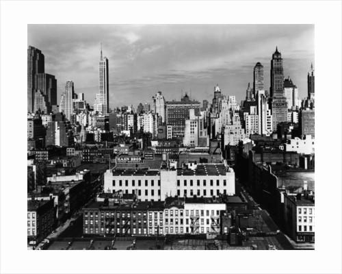 Midtown New York, 1945 by Corbis