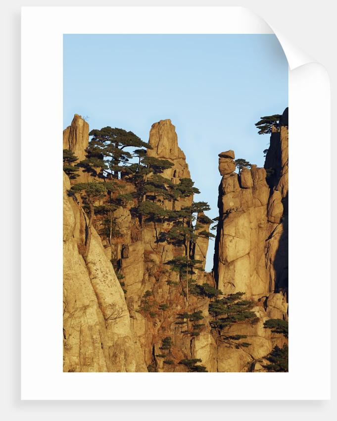 Jagged mountain pinnacles, Huangshan, Anhui, China by Corbis