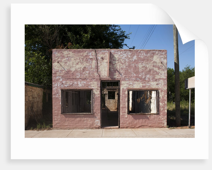 Ruins of abandoned store in Texas by Corbis