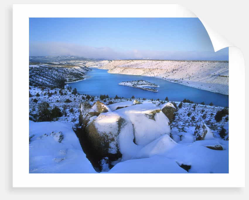 Lake Billy Chinook with blanket of snow by Corbis