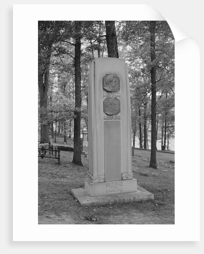 Mark Twain's Grave by Corbis