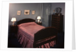 1930s 1940s bedroom double bed with pink satin bedspread by Corbis