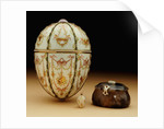 Faberge Kelch Bonbonniere egg pictured with its surprises by Corbis