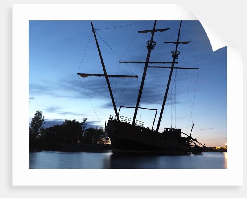 Captain Hook's ship by Alex Maxim