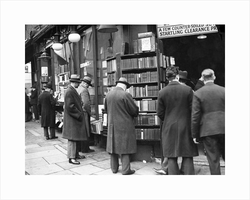 Browsing the books by Associated Newspapers