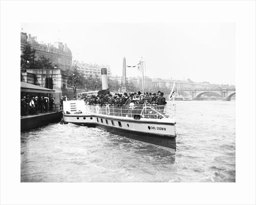 Passengers boarding the steamer 'Earl Godwin', London by Anonymous