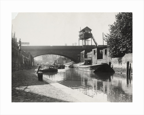 Limehouse Cut looking south from Commercial Road, Stepney, London by Mark Stevenson