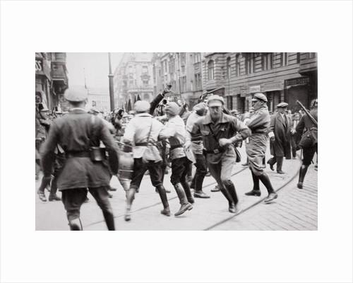 Men in Bolshevik uniform fighting police in the street, Germany by Unknown