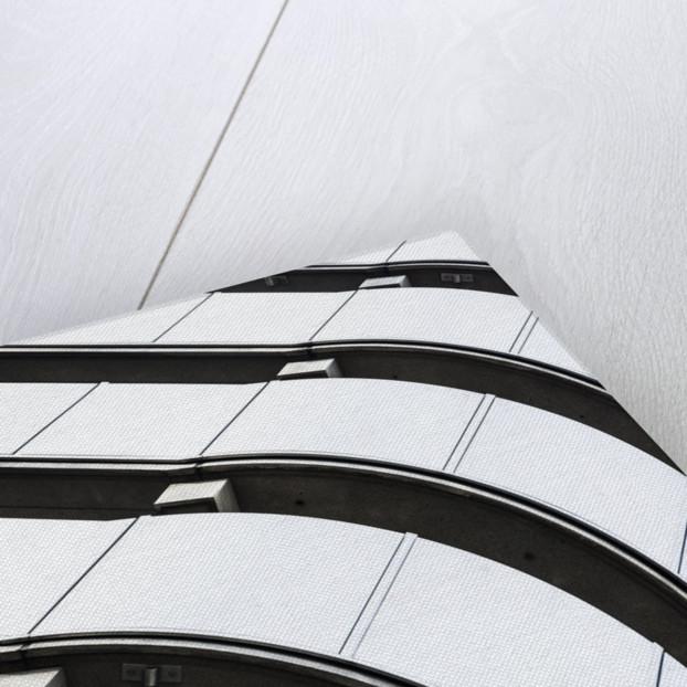 Lloyds Lines by Joas Souza
