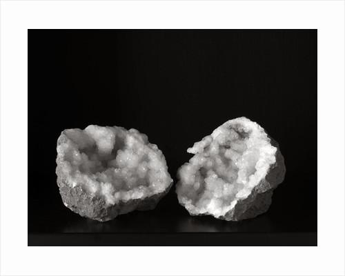 Crystal II by Kelly Hoppen