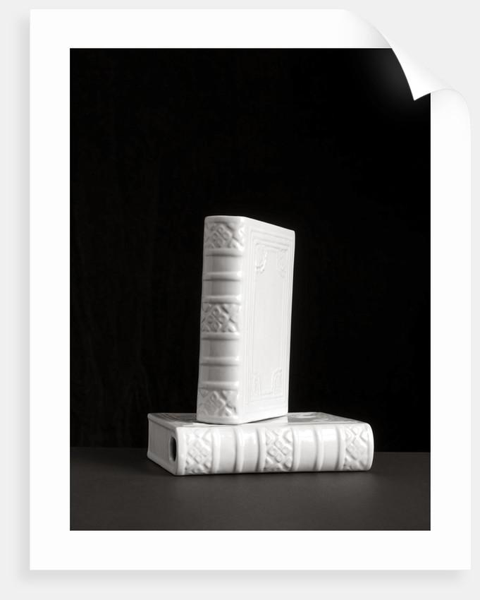 Library I by Kelly Hoppen