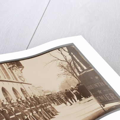 Gardes Républicains devant le Palais de Justice (Republican Guards in front of the Palais de Justice) by Eugène Atget