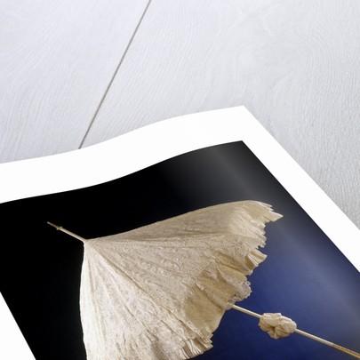 Parasol with deck of needle lace, point de gaze de Bruxelles, lined with crepe georgette by Anonymous