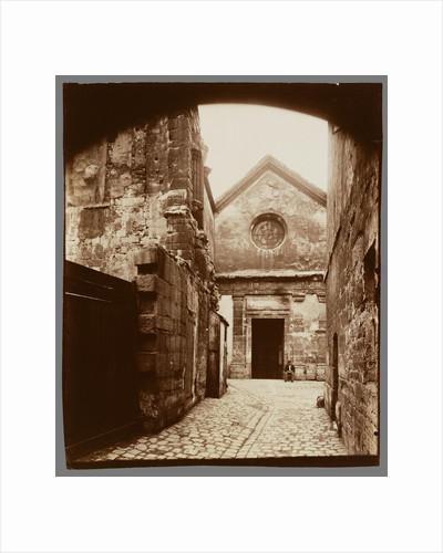 St. Julien le Pauvre-Portail (St. Julien le Pauvre-Facade) by Eugène Atget