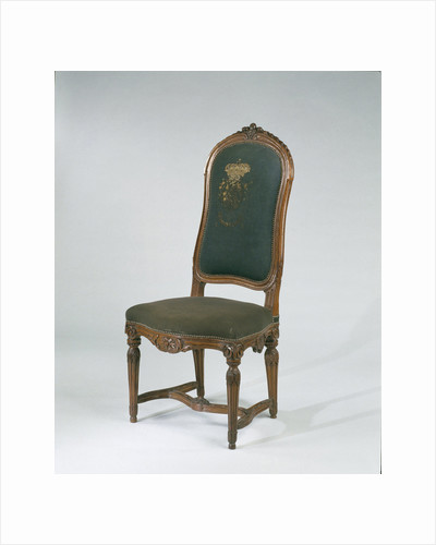 Chair beech wood with fluted legs and carved by Anonymous