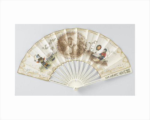 Folding fan with double sheet of paper on which a round, cut stipple engraving depicting a seated woman surrounded by lovers on both sides with a chinoiserie figure with silk clothes by Anonymous