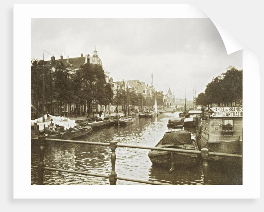 Sight over the Geldersekade, Amsterdam by Anonymous
