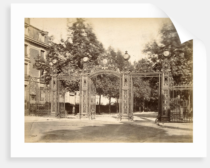 Fence of the Parc Monceau in Paris, France by Anonymous