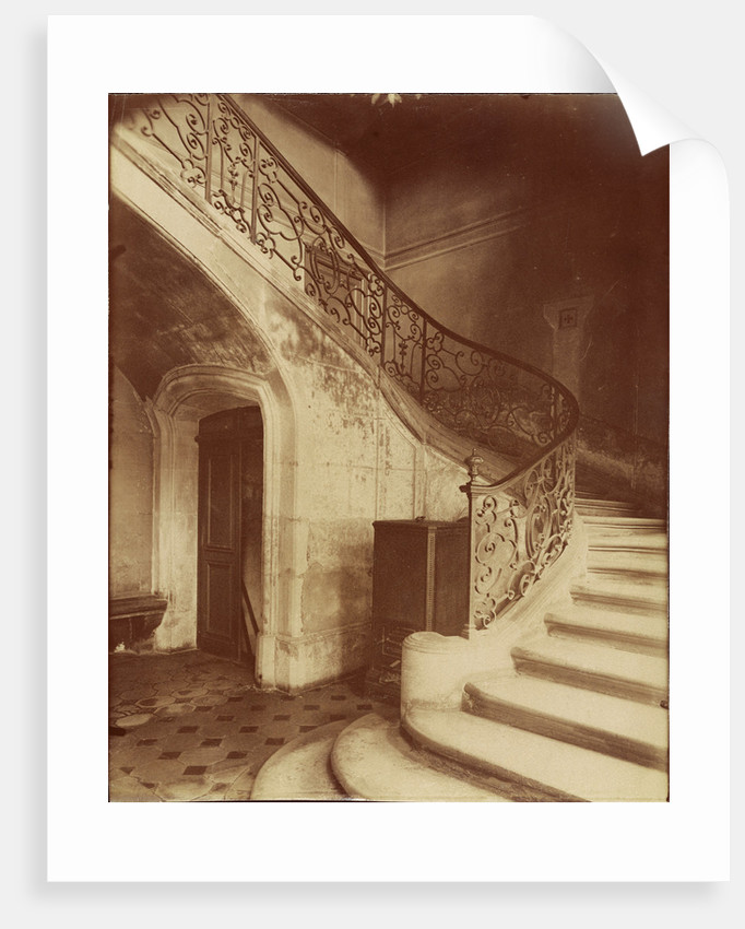 Hotel de la Brinvilliers, l'empoisonneuse, Rue Charles V 12 by Eugène Atget