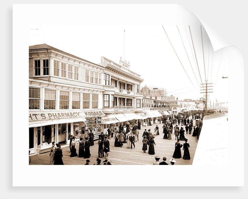 Board walk towards Steel Pier, Atlantic City by Anonymous