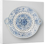 Colander with two ears, on three legs, blue painted including an eight-pointed star by Anonymous