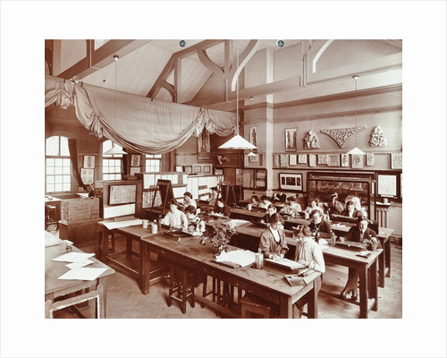 A class at the Camberwell School of Arts and Crafts, Southwark, London, 1907 by Unknown