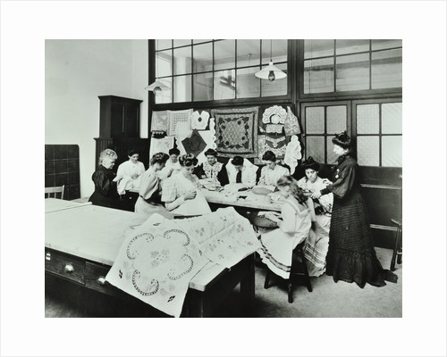 Bobbin lace and embroidery class, Northern Polytechnic, London, 1907 by Unknown