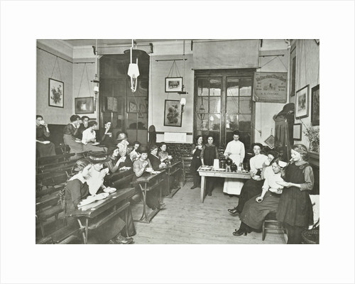 Women and girls in a classroom, Surrey Square Evening Institute for Women, London, 1914 by Unknown