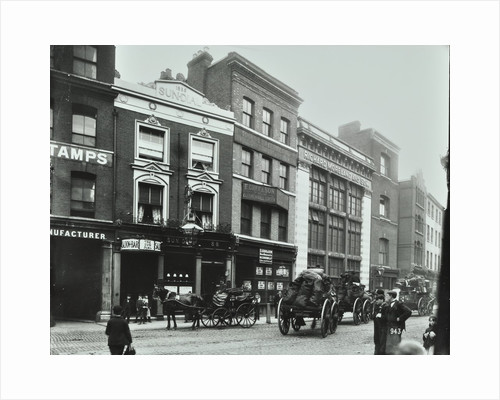 Carts outside the Sundial public house, Goswell Road, London, 1900 by Unknown