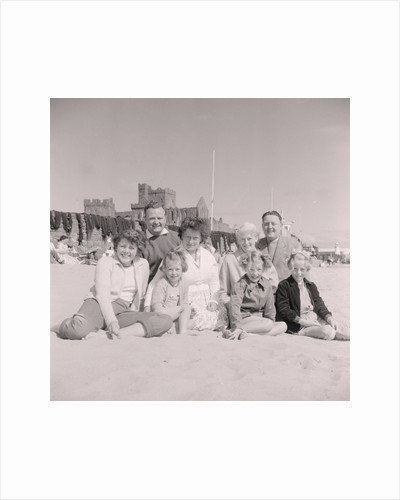 Peel holidaymakers with Frank Roberts by Manx Press Pictures