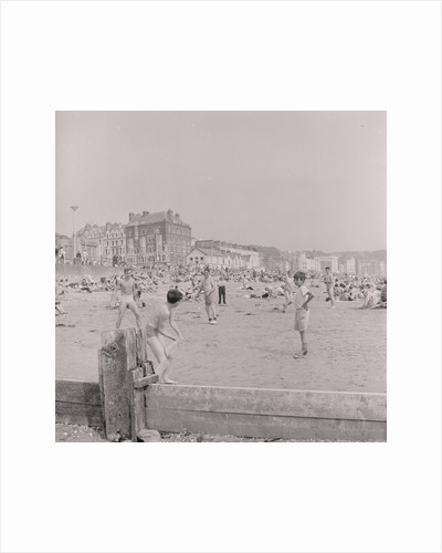 Island in the Sun', Douglas beach by Manx Press Pictures