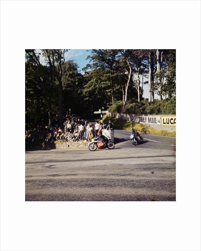 Motorcycle racing by Manx Press Pictures