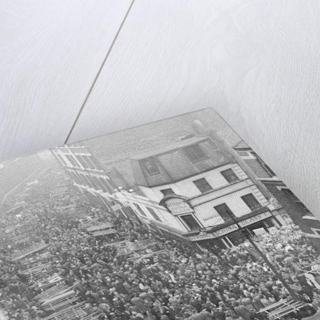 Petticoat Lane 1948 by George Greenwell