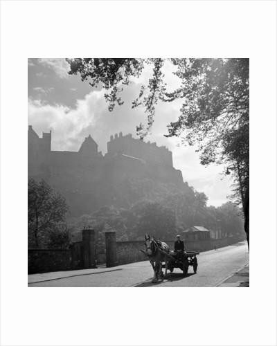 Edinburgh Castle 1910 by Staff