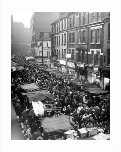 Petticoat Lane 1960 by George Greenwell