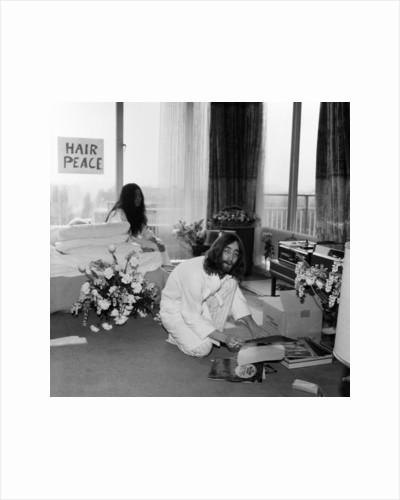 John Lennon and Yoko Ono, 1969 by Charles Ley