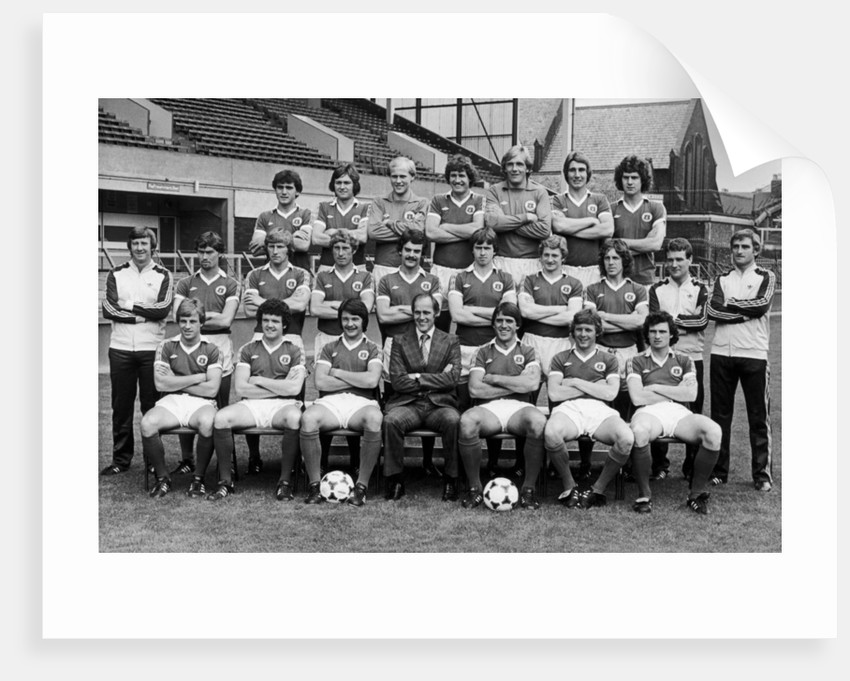Everton squad pose for a group photograph by Terry Mealey