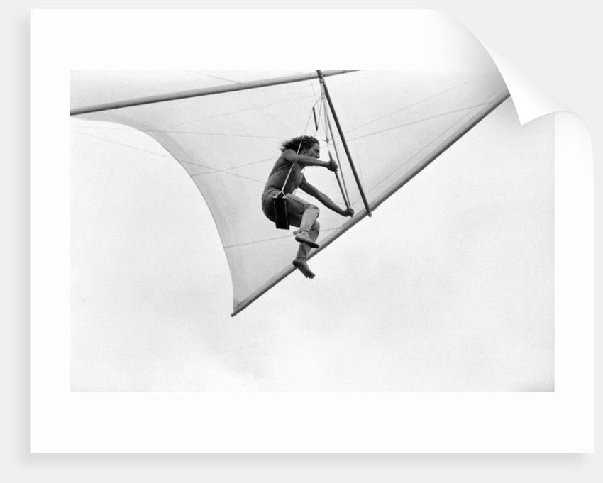 Roger Daltrey hang gliding by George Phillips