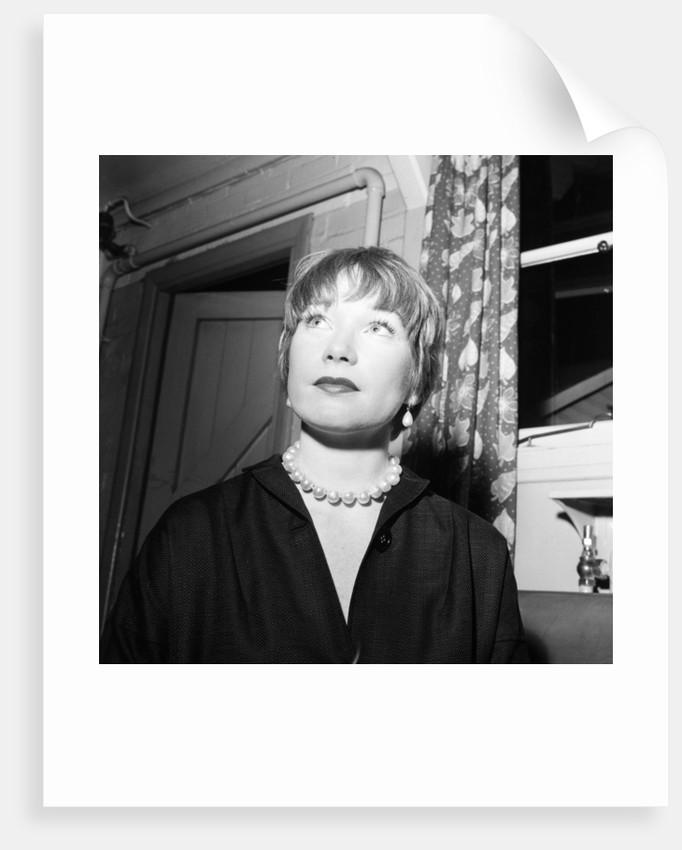 Shirley MacLaine by Bela Zola