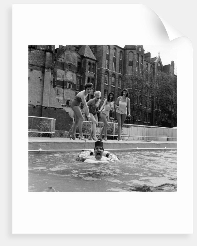 Oasis Lido, London, 1959 by Eric Harlow