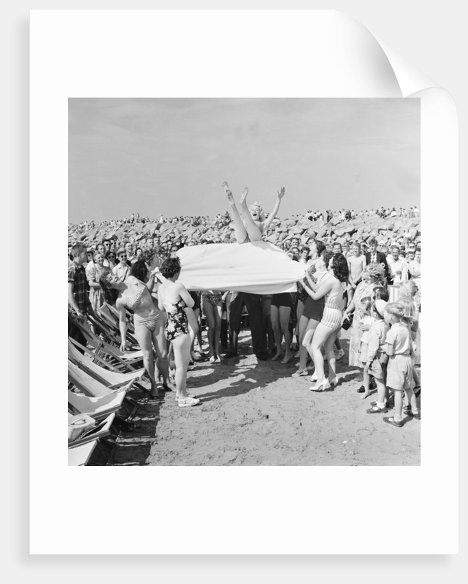 Sunday Pictorial 1957 Beach Party by Bill Turner