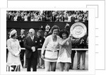 14,000 stamping fans cheered Virginia Wade to victory by Staff