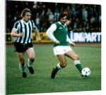 George Best in action for Hibernian by Kent Gavin