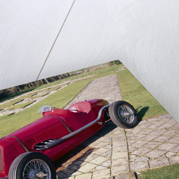1933 Maserati 4CM-2000 racing car by Unknown